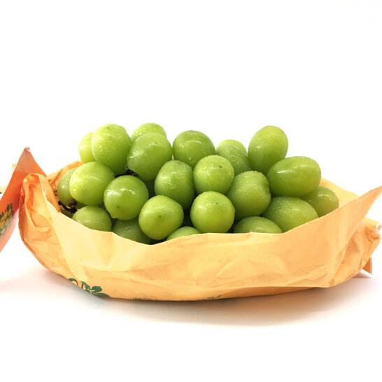 Nho mau don Shine Muscat Nhat Ban - vinfruits.com 2