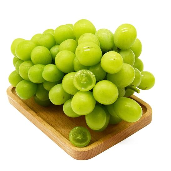 Nho mau don Shine Muscat Han Quoc - vinfruits.com 2
