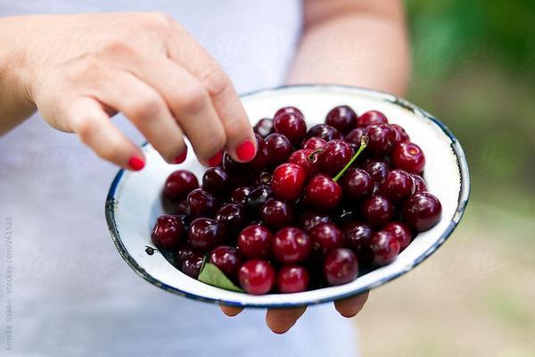 Cherry và bà bầu