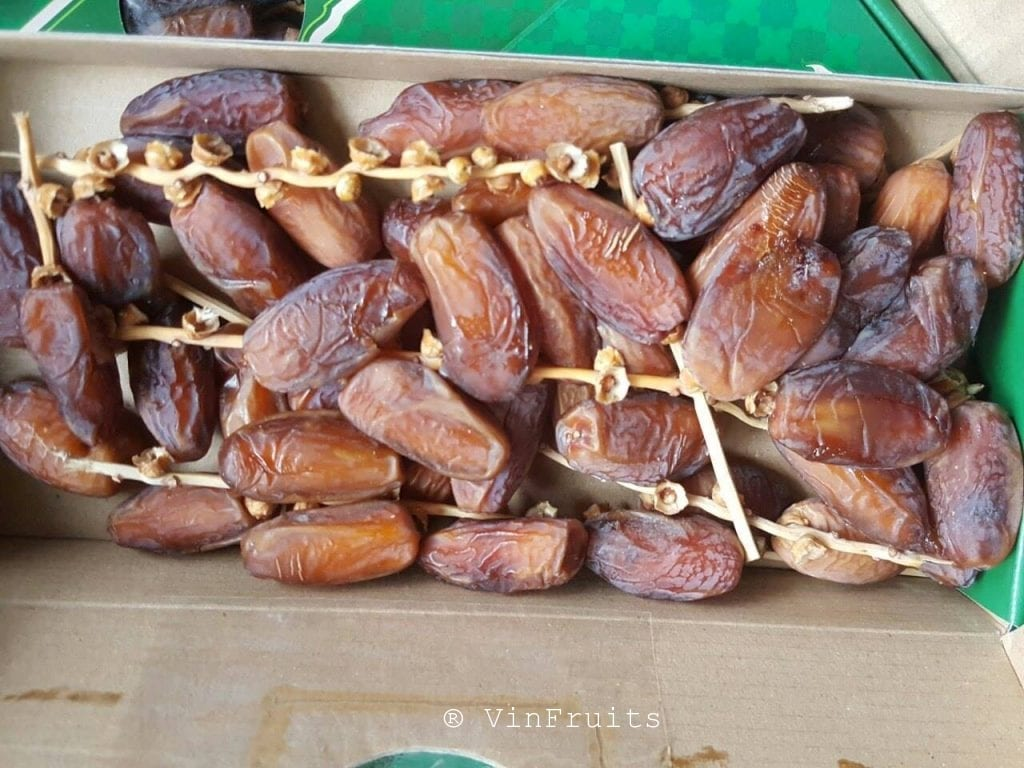 Chà là nguyên cành - Vinfruits