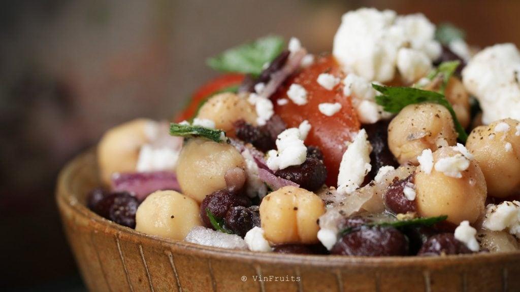Món salad hạt mắc ca thơm ngon bổ dưỡng - VinFruits