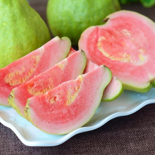 Ổi ruột đỏ Đài Loan - vinfruits.com 2