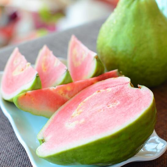 Ổi ruột đỏ Đài Loan - vinfruits.com 3