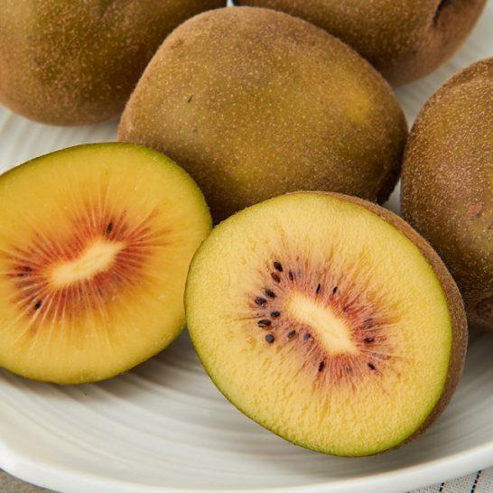 Kiwi ruot do Han Quoc - vinfruits.com 2