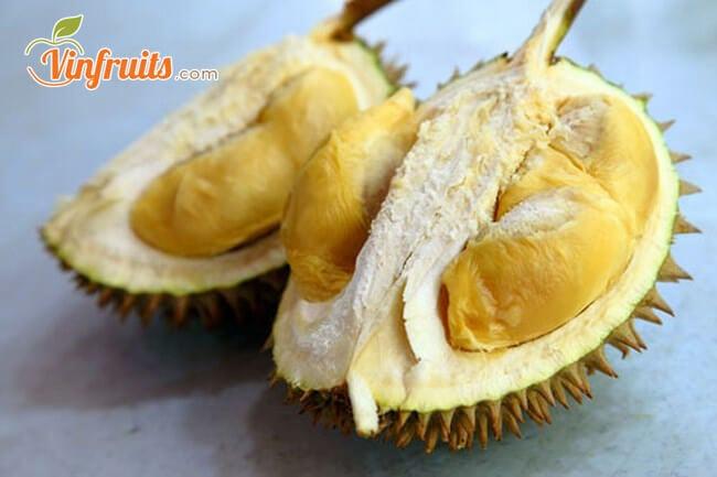 """Sầu riêng chín bằng cách """"dấm"""" trái cây truyền thống - Vinfruits"""