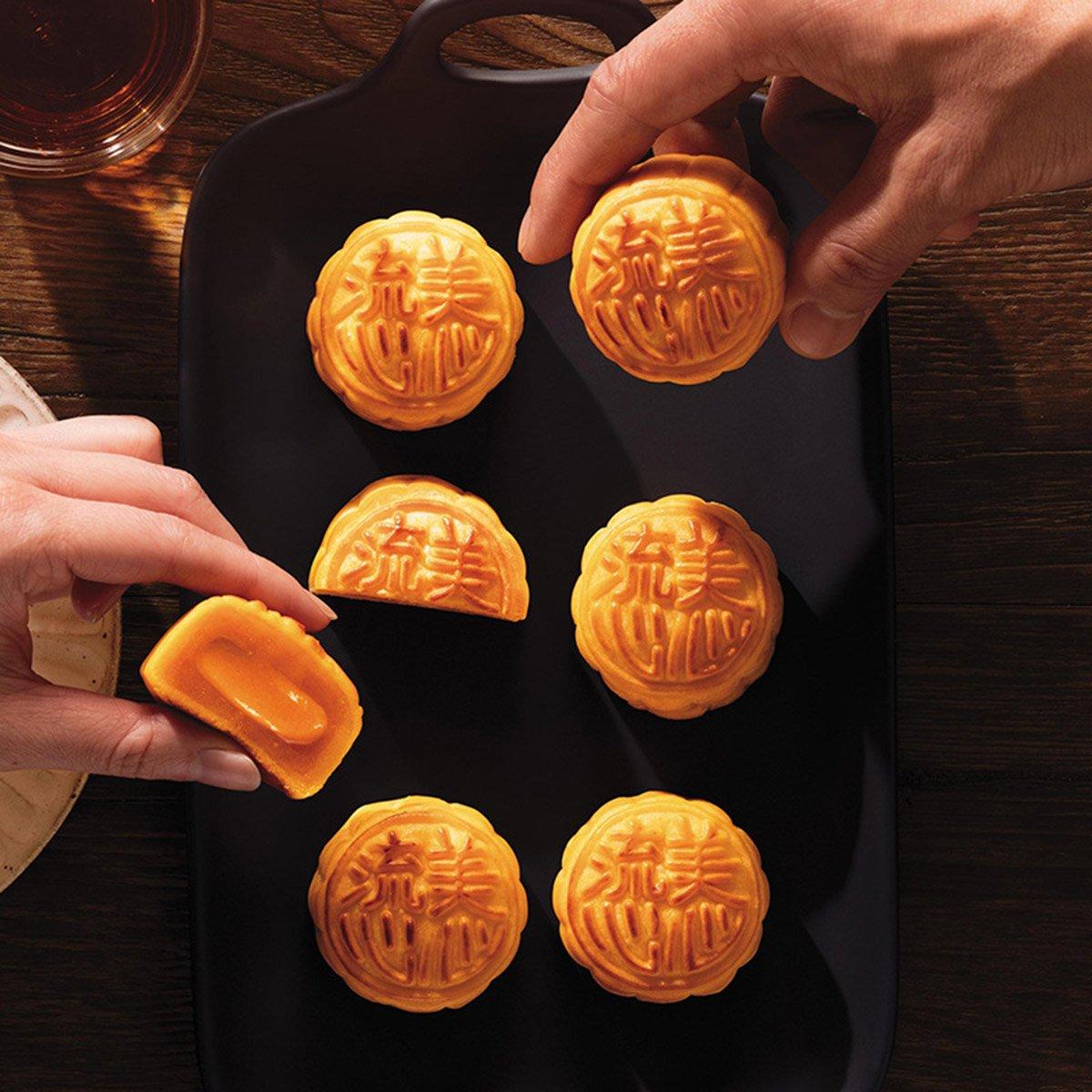 Banh trung thu Lava Custard Hongkong - vinfruits.com 4